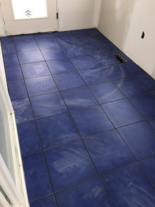Blue porcelain tile in the solarium