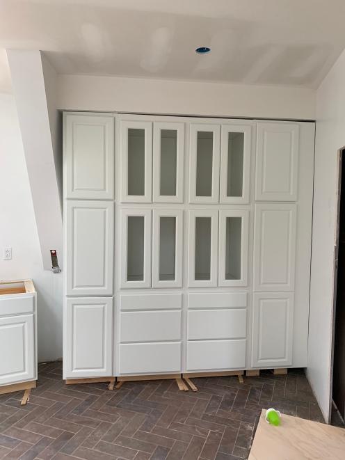 Wall o'cabinets