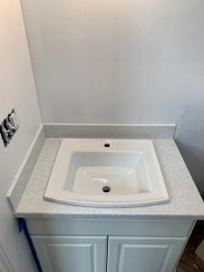 Upstairs bath countertop install